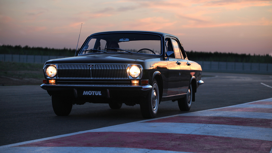 "500px / Photo ""Volga GAZ-2401"" by Anton Shishin"