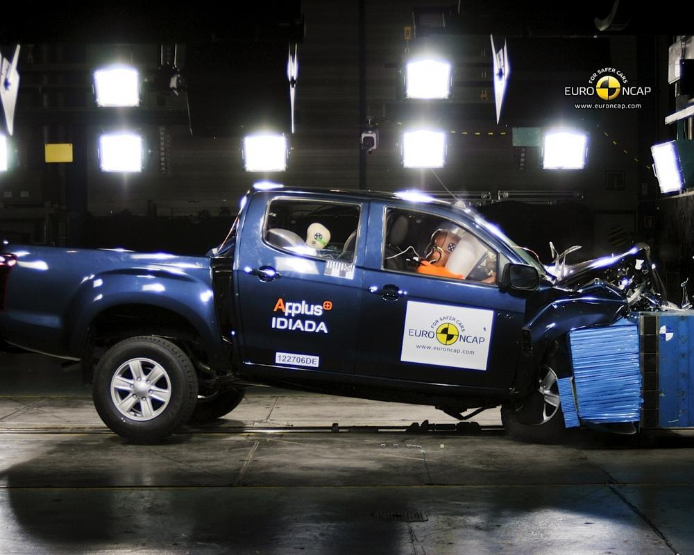 Isuzu D-Max Crash Test (Gallery Photo #