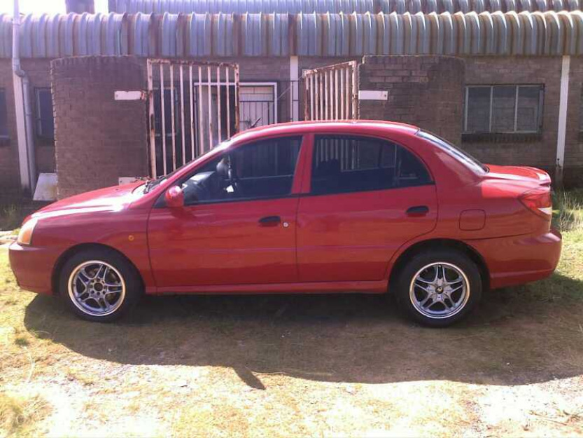 Kia Rio RS, 1.3 Injector, 2004 Model. Excellent Condition - cars -
