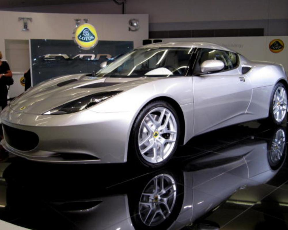 Big and powerful Lotus Evora is light and agile | The Car Tech ...