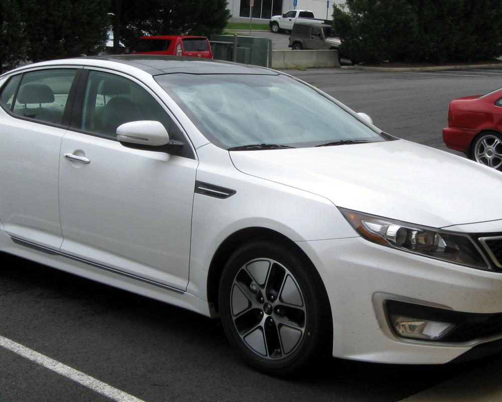 File:2011 Kia Optima Hybrid -- 05-19-2011.jpg - Wikimedia Commons