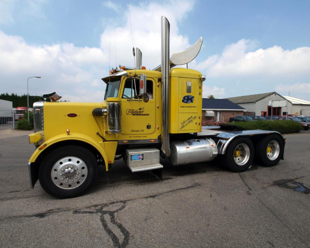 File:Peterbilt 359 Classic (1977) pic3.JPG - Wikimedia Commons