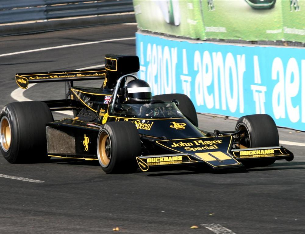Lotus Racing F1 – The Black and Gold Returns! (