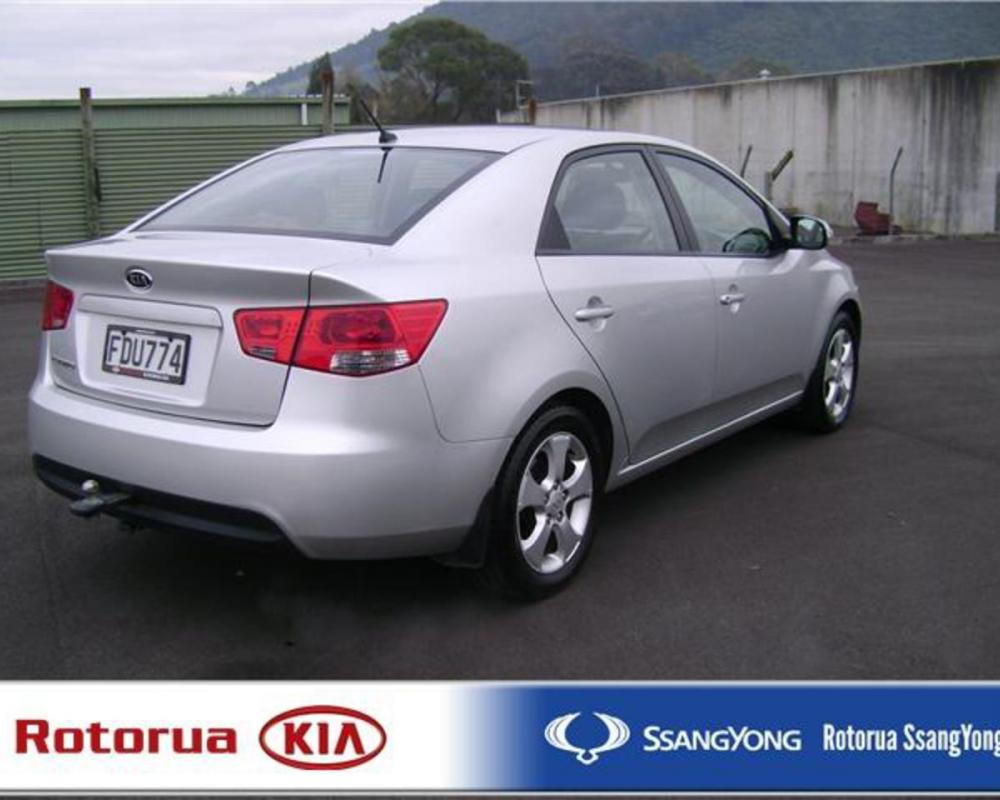 Kia Rio: Photo