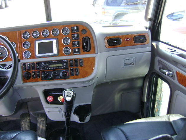 PETERBILT 389 T/A SLEEPER FOR SALE - Trucks - Commercial Vehicles ...