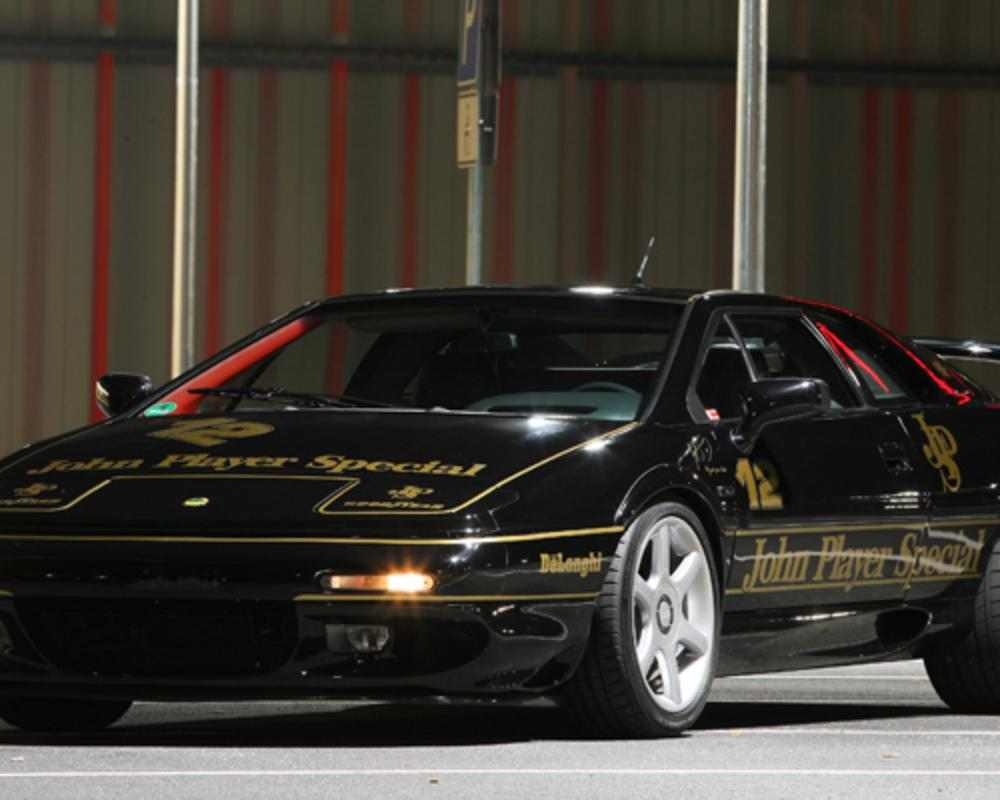 Special 'Senna' Lotus Esprit V8 revealed - BBC Top Gear