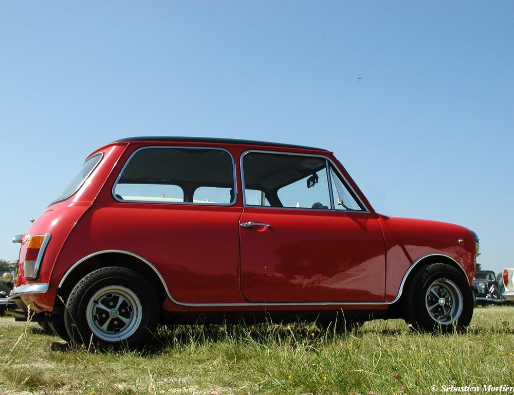 Innocenti Mini Cooper 1300 (1972) Wallpaper
