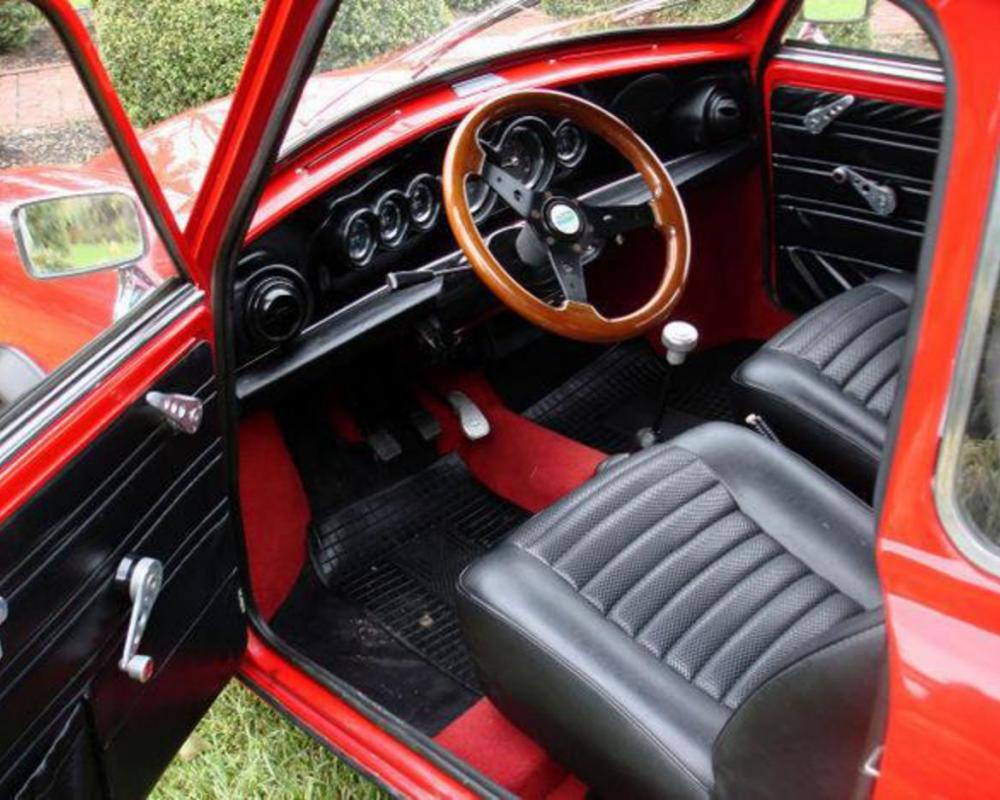Innocenti mini 1300. Best photos and information of modification.