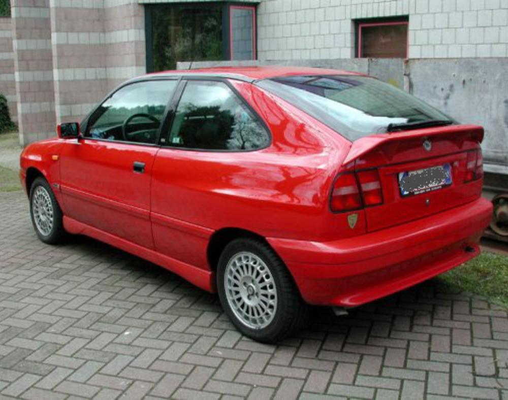 [thumbnail of 1998 Lancia Delta HPE-red-rVl=mx=.jpg