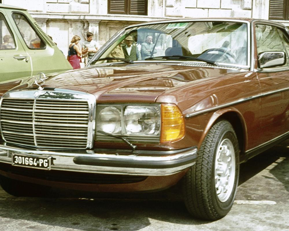 File:Mercedes Benz W123 Coupe Perugia.jpg