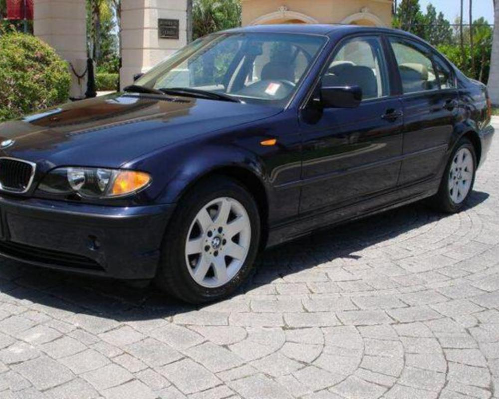 Our automotive Car blog providing you best collection of hd BMW 325i cars
