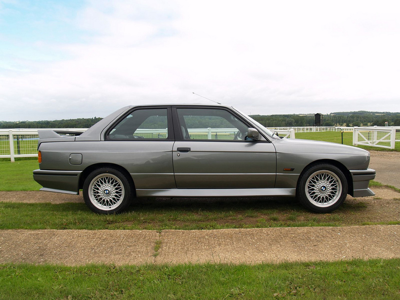 BMW 320is. basic info. spec rating
