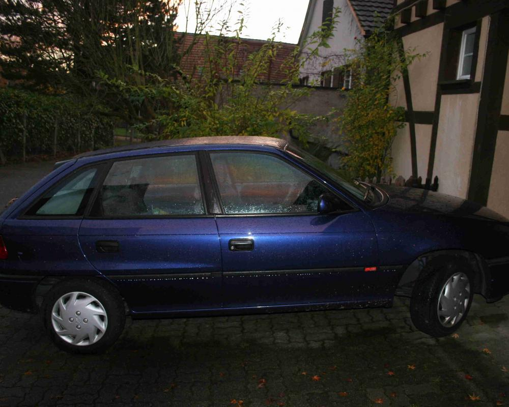 Opel Astra 16 - huge collection of cars, auto news and reviews, car vitals,
