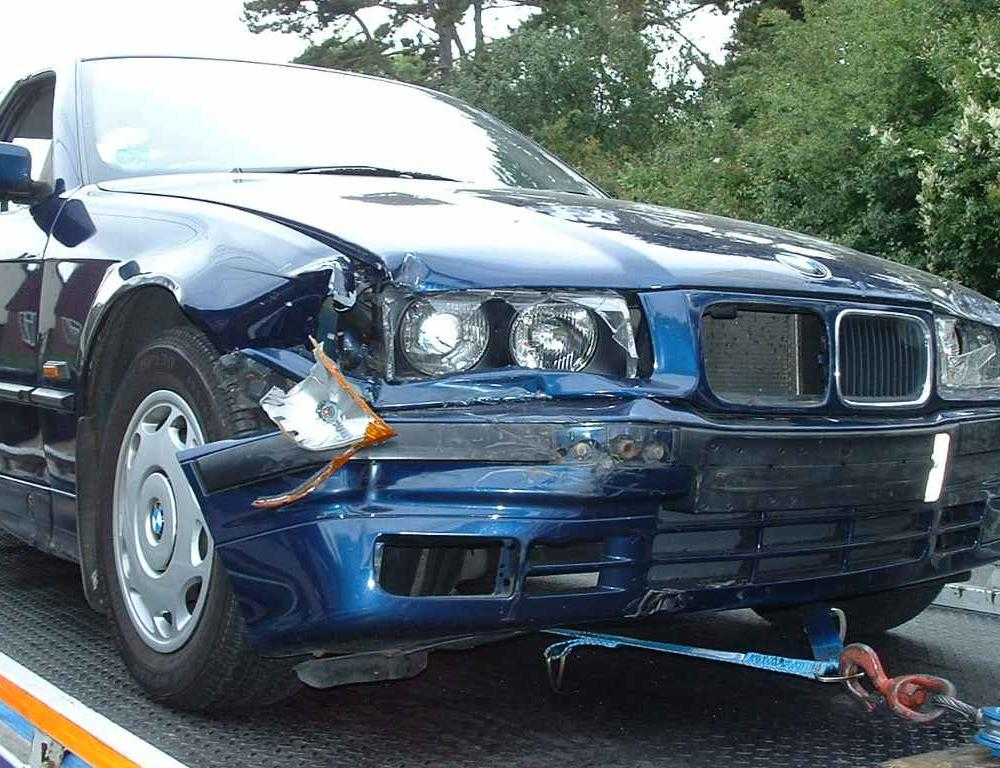 BMW 318i Accident. Posted by Veronica Hernandez on Monday, December 27, 2010