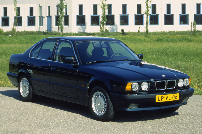 BMW 525td Edition (E34) 4-door saloon