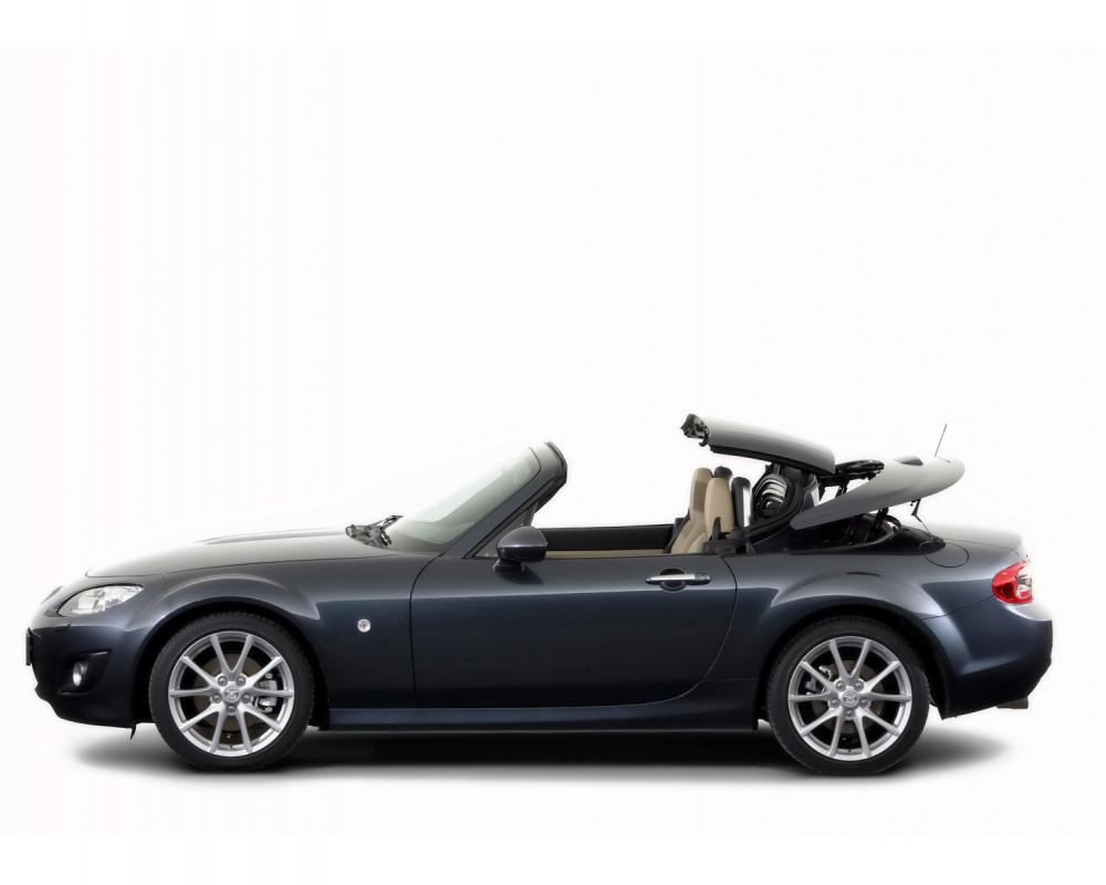 2010 Mazda MX-5 - Roadster Coupe Side - 1600x1200 - Wallpaper