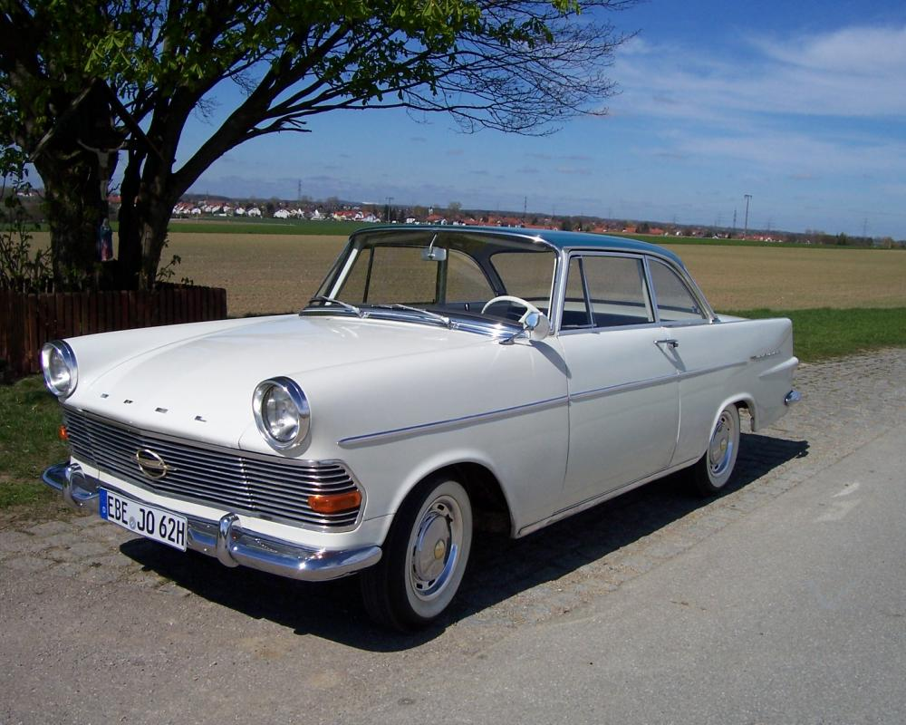 On this page we present you the most successful photo gallery of Opel Record