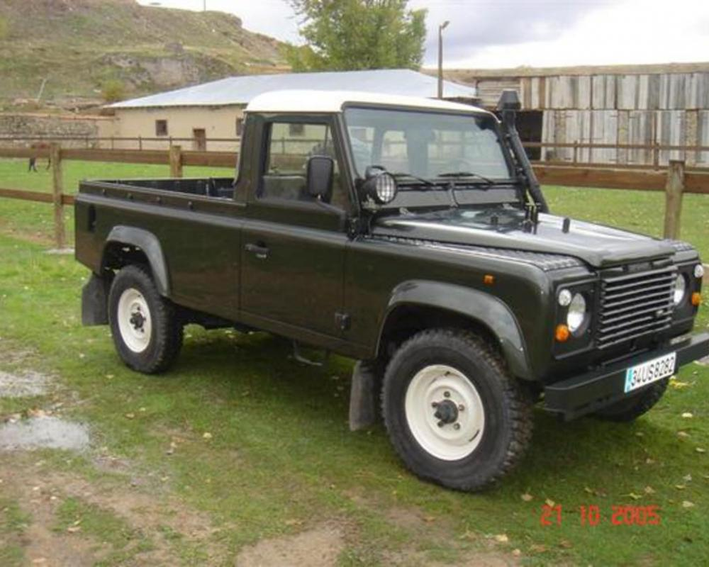 ruseyrek's 1991 Land Rover Defender. front 3/4 view