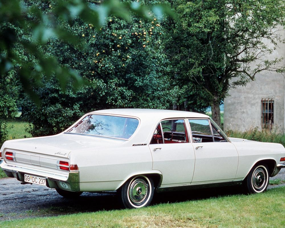 You can vote for this Opel Admiral photo
