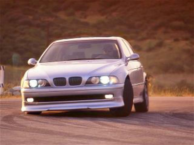 With a manual transmission, the 540i beats the E34 M5 with a 0-to-60-mph
