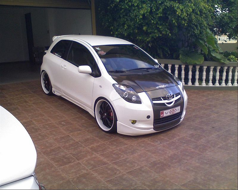 Custom Car Toyota Yaris RS 2007 Pictures. CAR REF NUMBER 27753. CAR COLOUR
