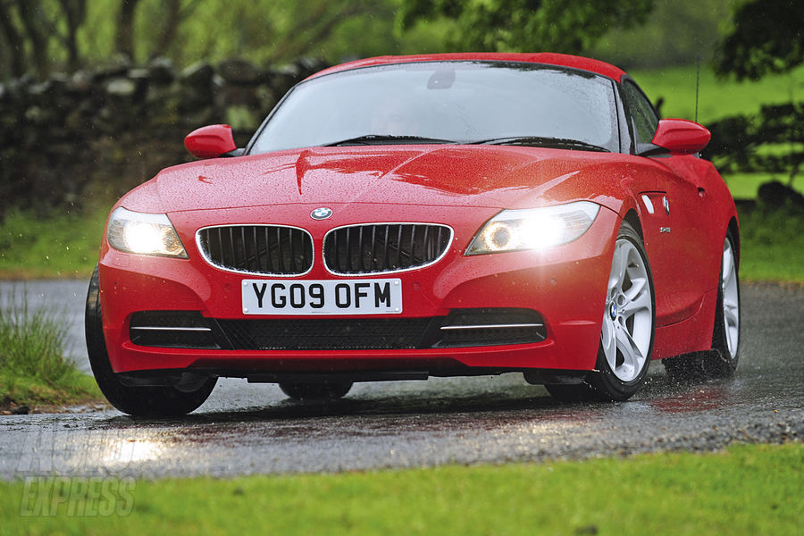 BMW Z4 sDrive23i test drive. The UK based fellows at AutoExpress decided to