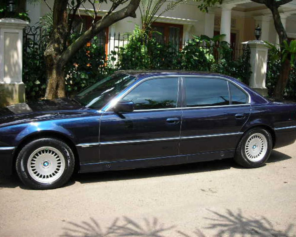 jual BMW 730il Facelift matic thn 96 Blue black met