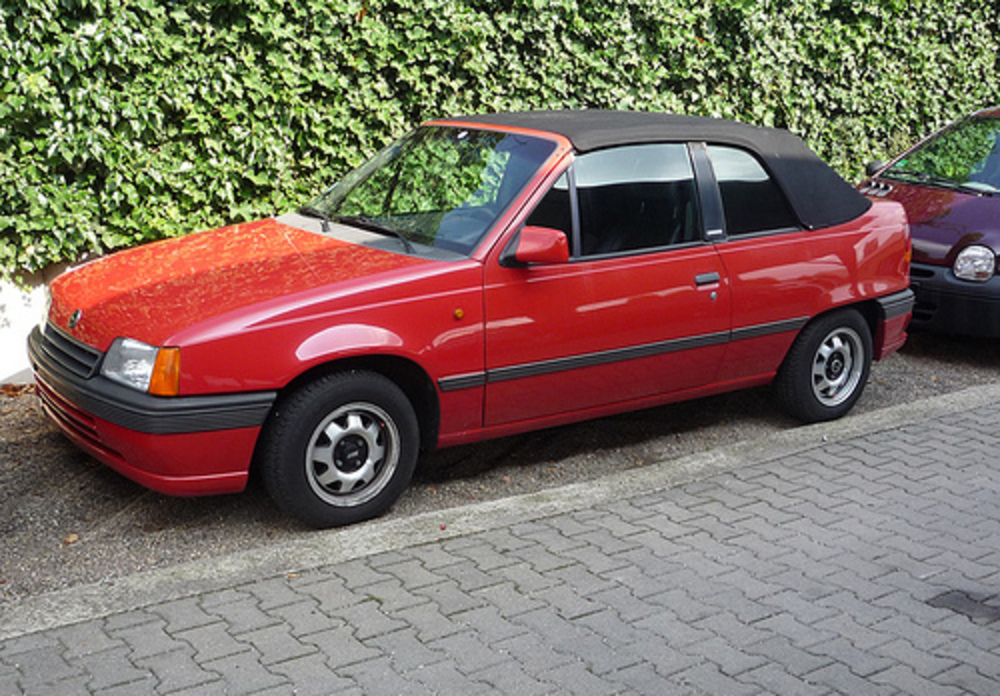 Opel Kadett Cabriolet. Looked tidy. We weren't sure wther it was for sale or