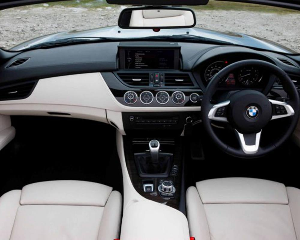 The seats with their integrated headrests come as standard on the BMW Z4