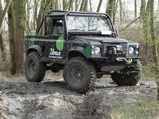 Land Rover Defender 90 Truck Cab/Pick-Up 6 Point Bolt-in Roll Cage Land