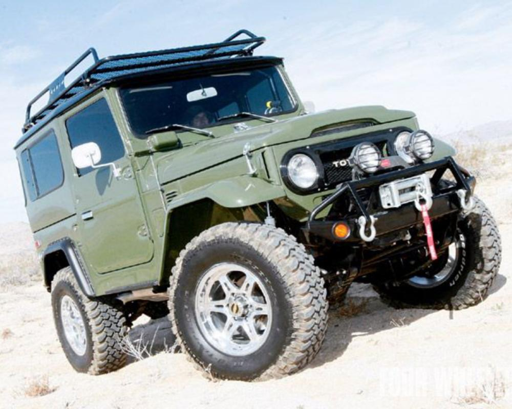 1977 Toyota Fj40 Land Cruiser Front View Photo 5