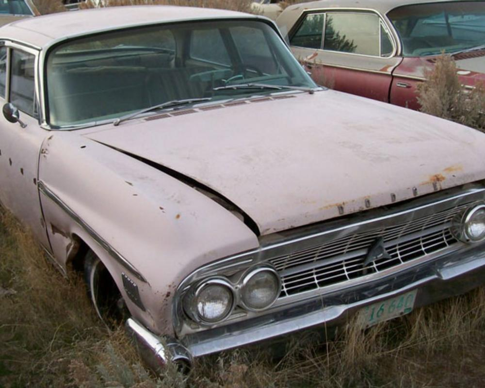 1962 Dodge Custom 880 4 door sedan for sale $3,500. 1962 Custom 880