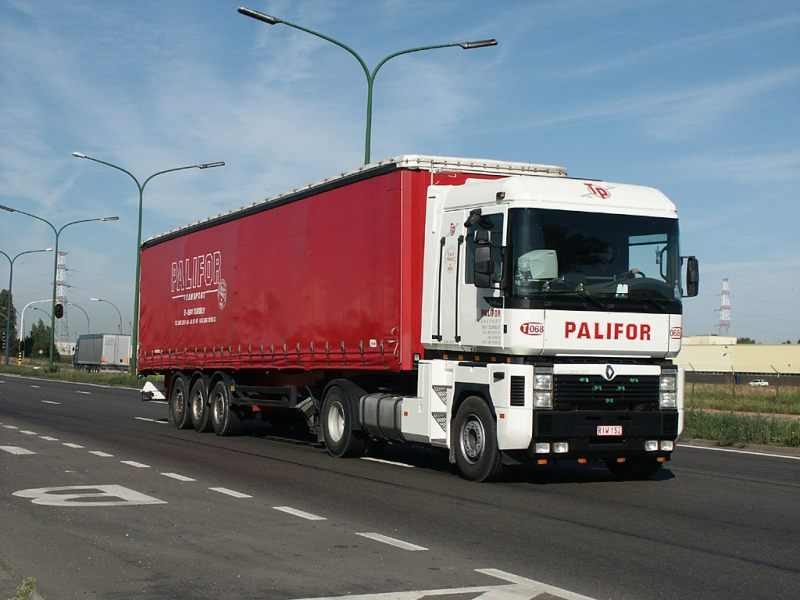 File:Renault Magnum-Palifor (B)-2004.jpg. No higher resolution available.