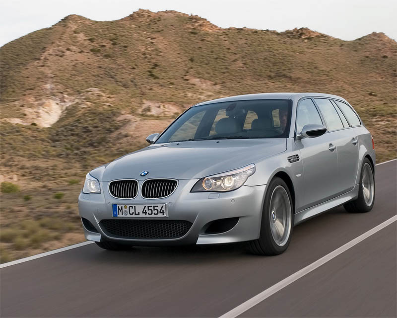 BMW M5 Touring. Internally the new M5 Touring features the same enhancements