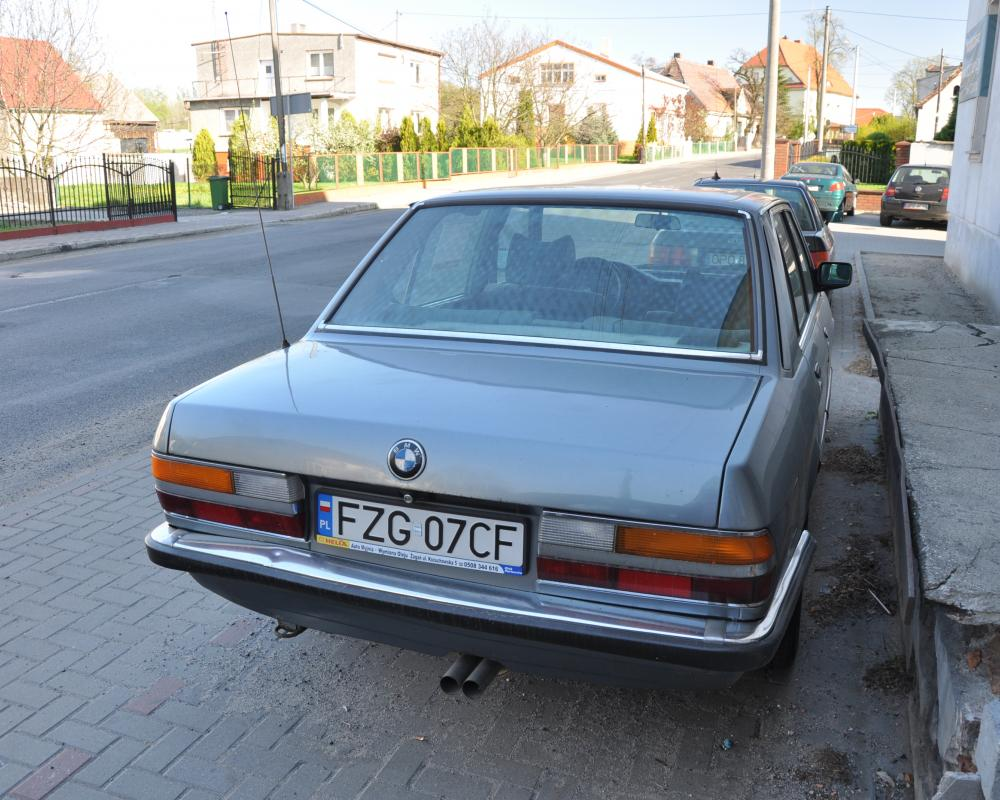 File:BMW 528 rear PL.JPG
