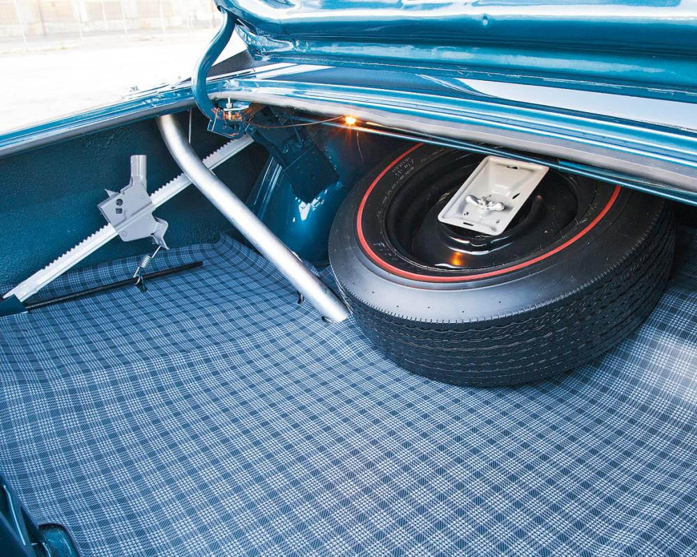 1968 Dodge Charger RT 426 Hemi Spare Tire
