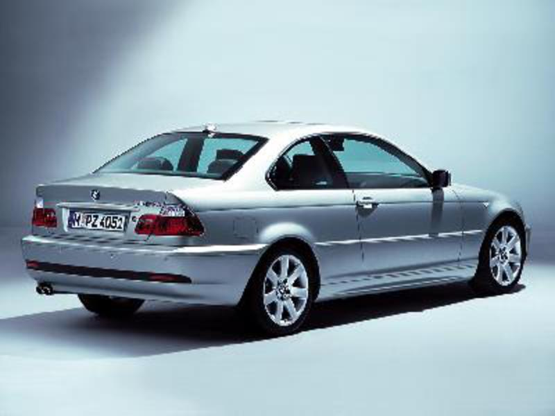 Send us more 2005 BMW 325Ci Coupe pictures.
