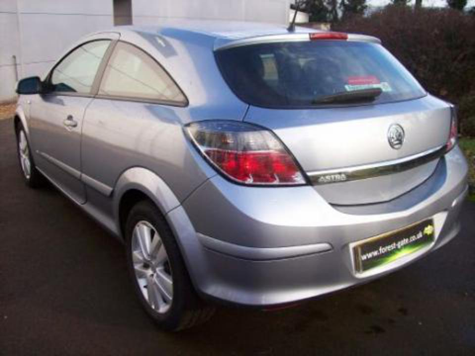 Opel Astra GLE 14 Hatchback. View Download Wallpaper. 480x360. Comments