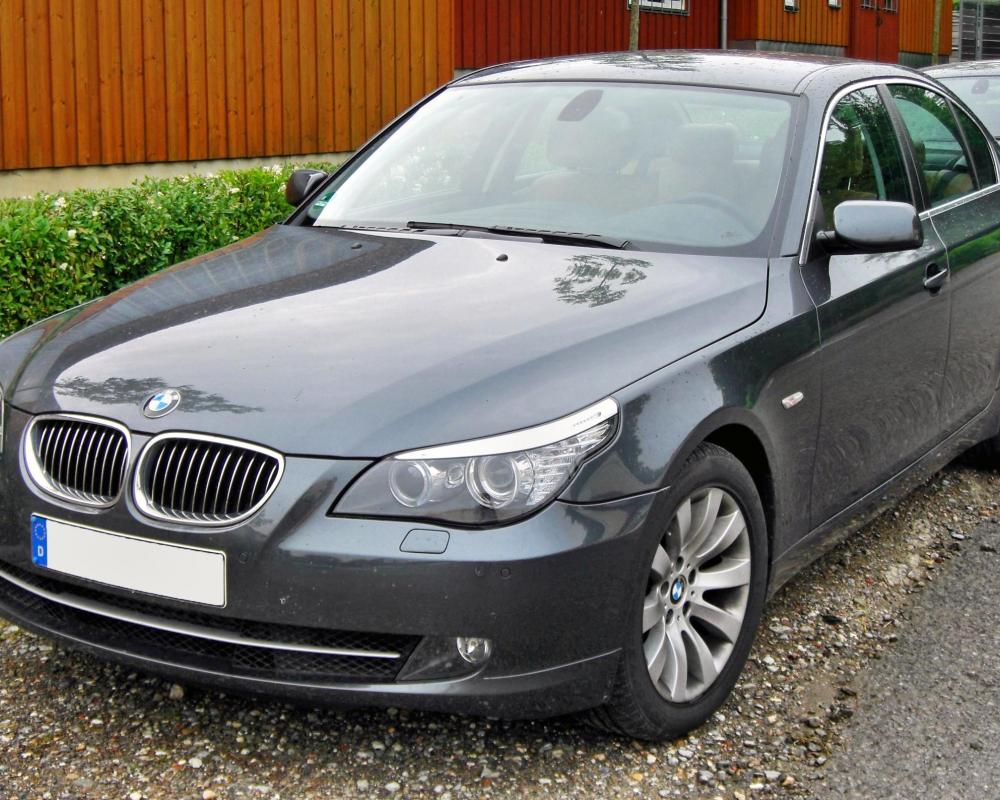 File:BMW 530i (E60) Facelift 20090615 front.JPG - Wikipedia, the ...