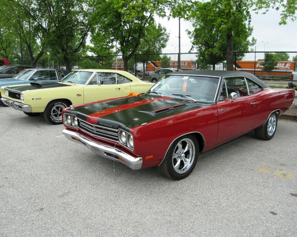 68 Dodge Coronet RT and 69 Plymouth Road Runner | Flickr - Photo ...