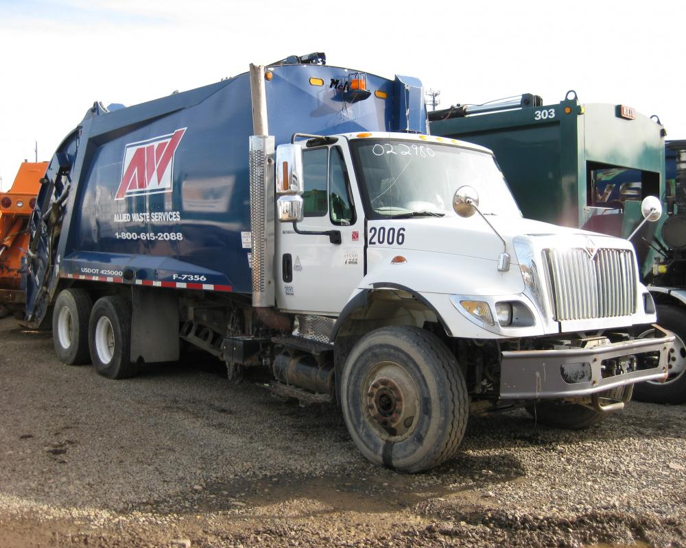 Ex-AW International 7400 / McNeilus REL - 2006 | Flickr - Photo ...