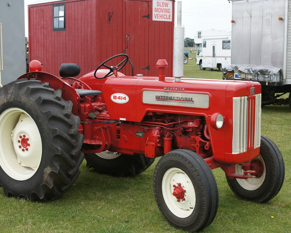 1962 McCormick International B-414 Tractor. | Flickr - Photo Sharing!