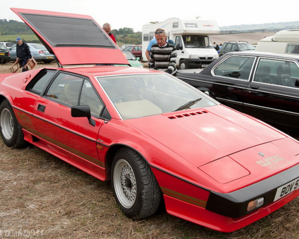 An 80's Classic - The Lotus Esprit Turbo. | Flickr - Photo Sharing!