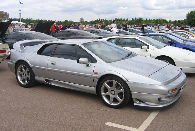 Lotus Esprit V8 information on SupercarWorld.