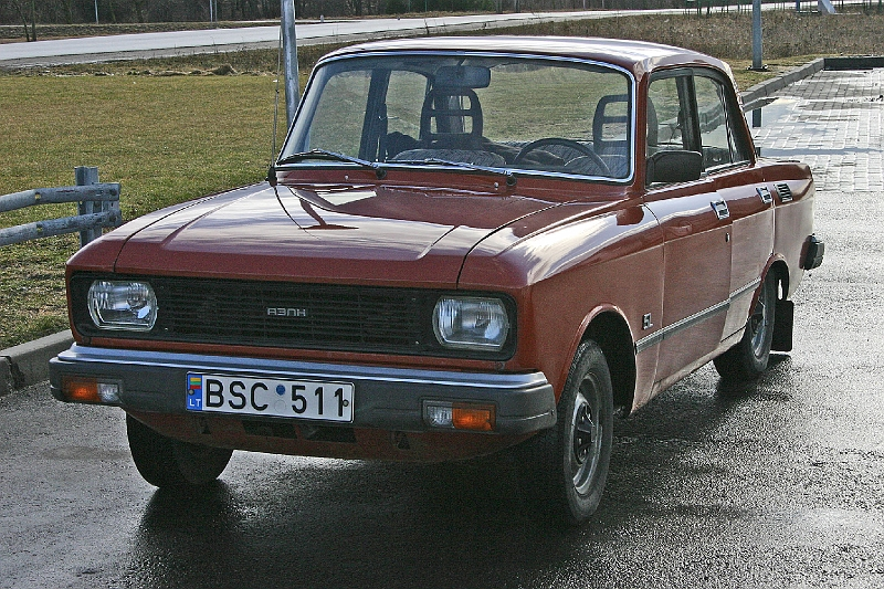Russian Moskvitch 2140 412 red
