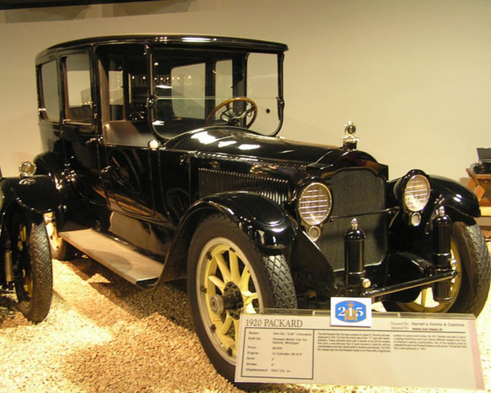 National Auto Museum, Reno - 1920 Packard twin six limousine ...