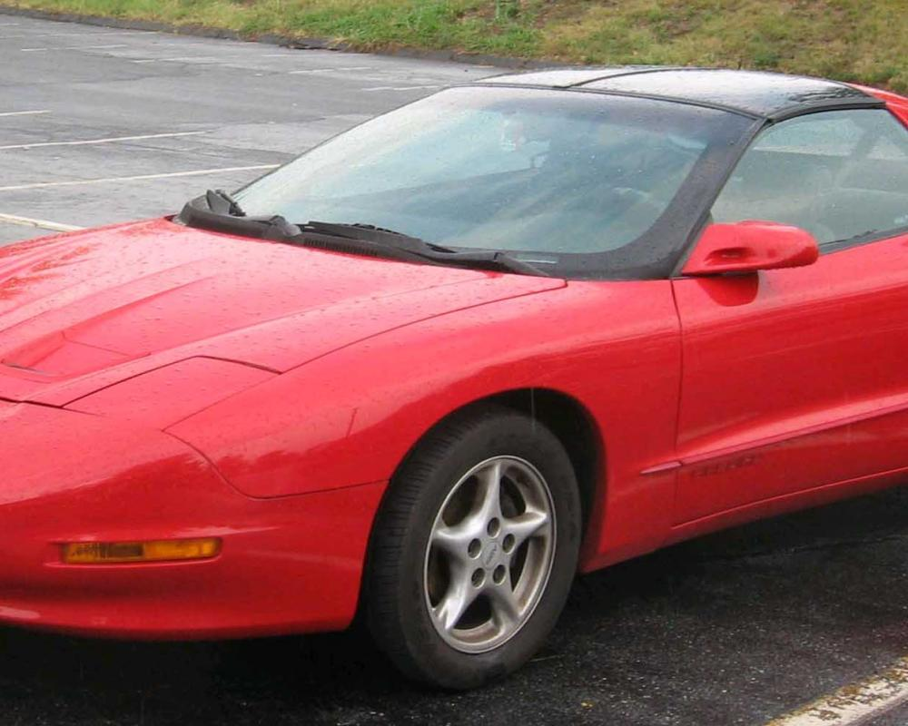 File:1993-97 Pontiac Firebird.jpg - Wikimedia Commons