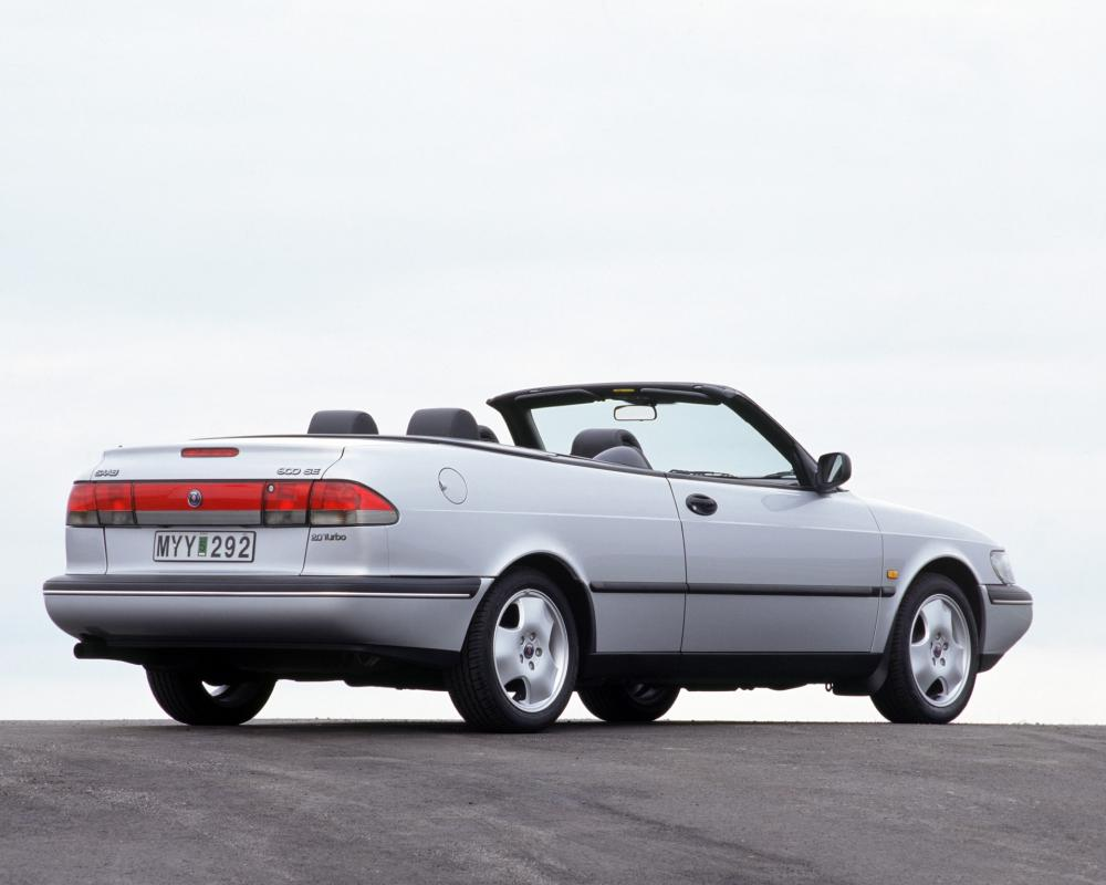 Free Download Saab 900 Se T 20 - MotorCyclees.