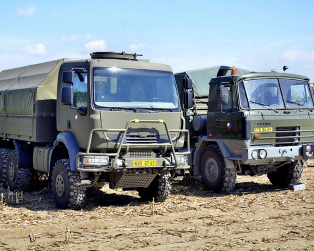 Tatra 810 & Tatra 815 4x4 military trucks | Flickr - Photo Sharing!