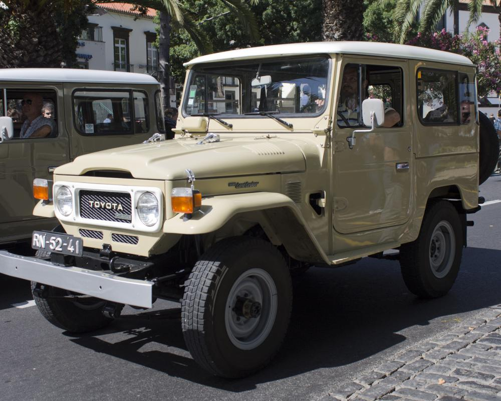 Toyota Land Cruiser FJ40 - Auto Parade Funchal 2012 | Flickr ...